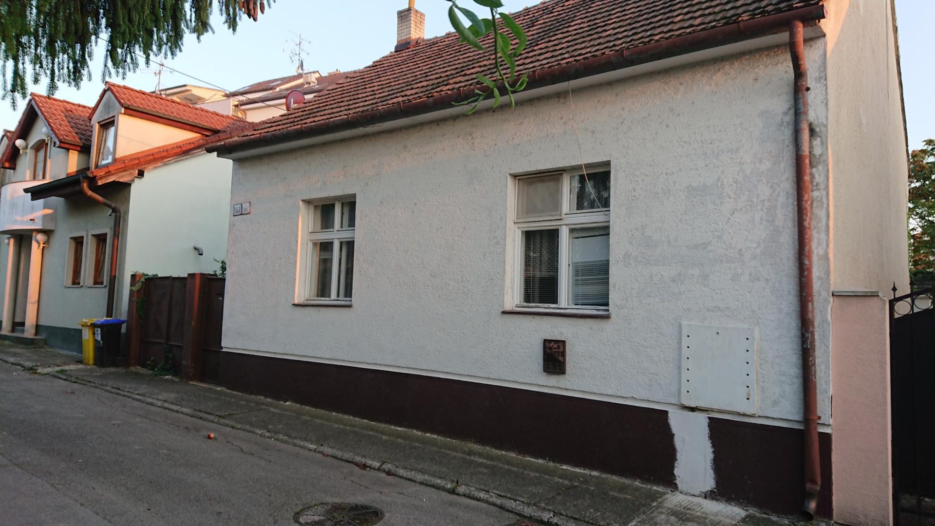 Domček v centre Piešťan odhalil rozdielne zmýšľanie maklérov a kupujúcich