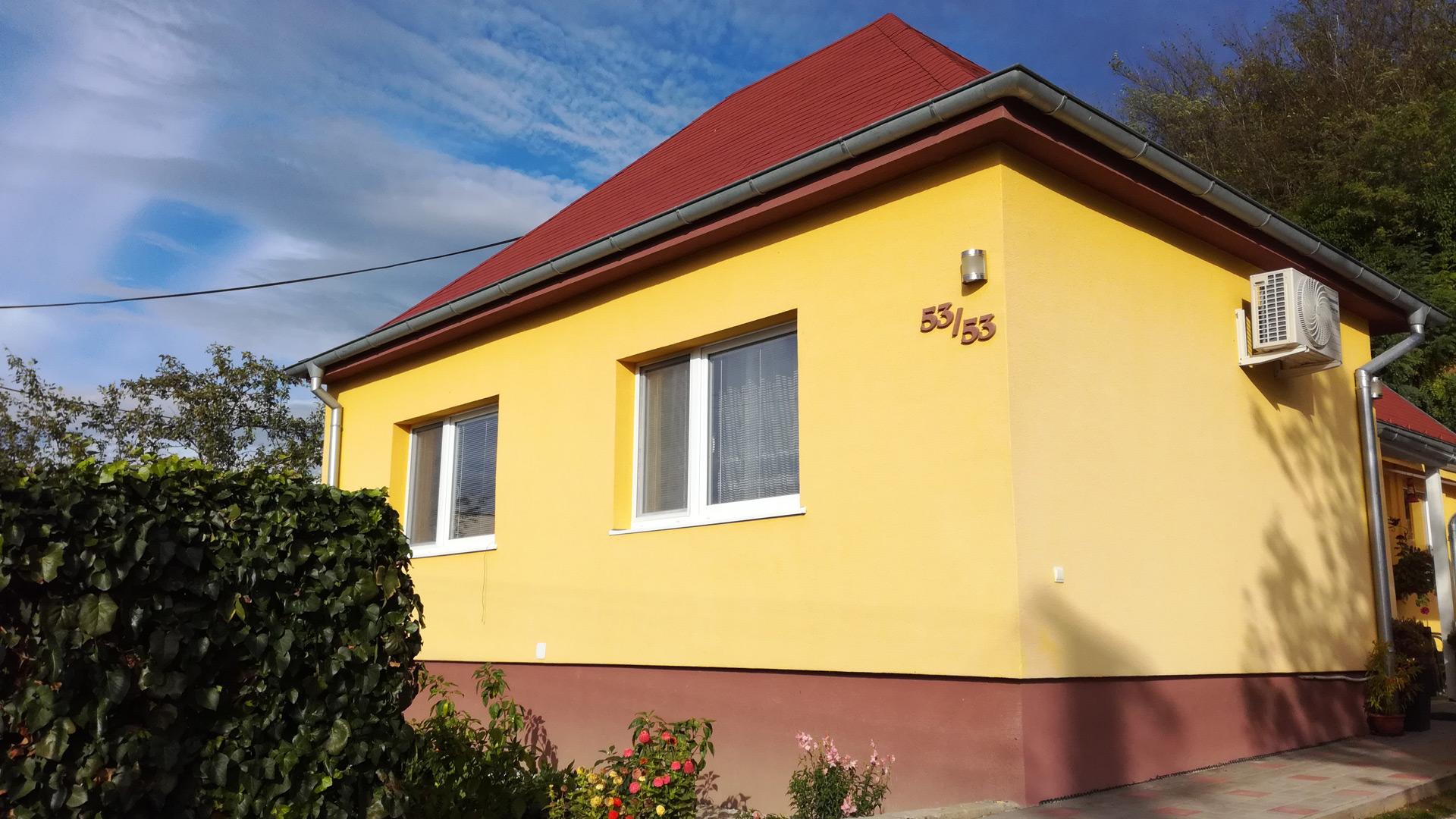 3 izbový rodinný dom, krb, klíma, terasa, garáž, záhradka