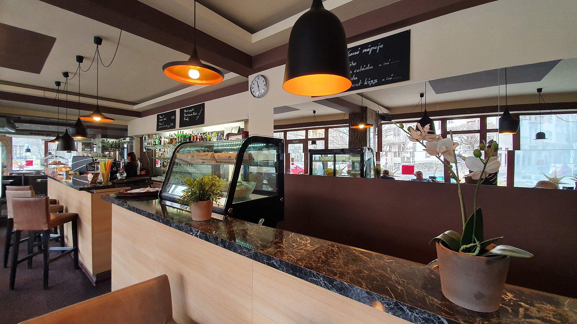 Kaviareň v centre mesta