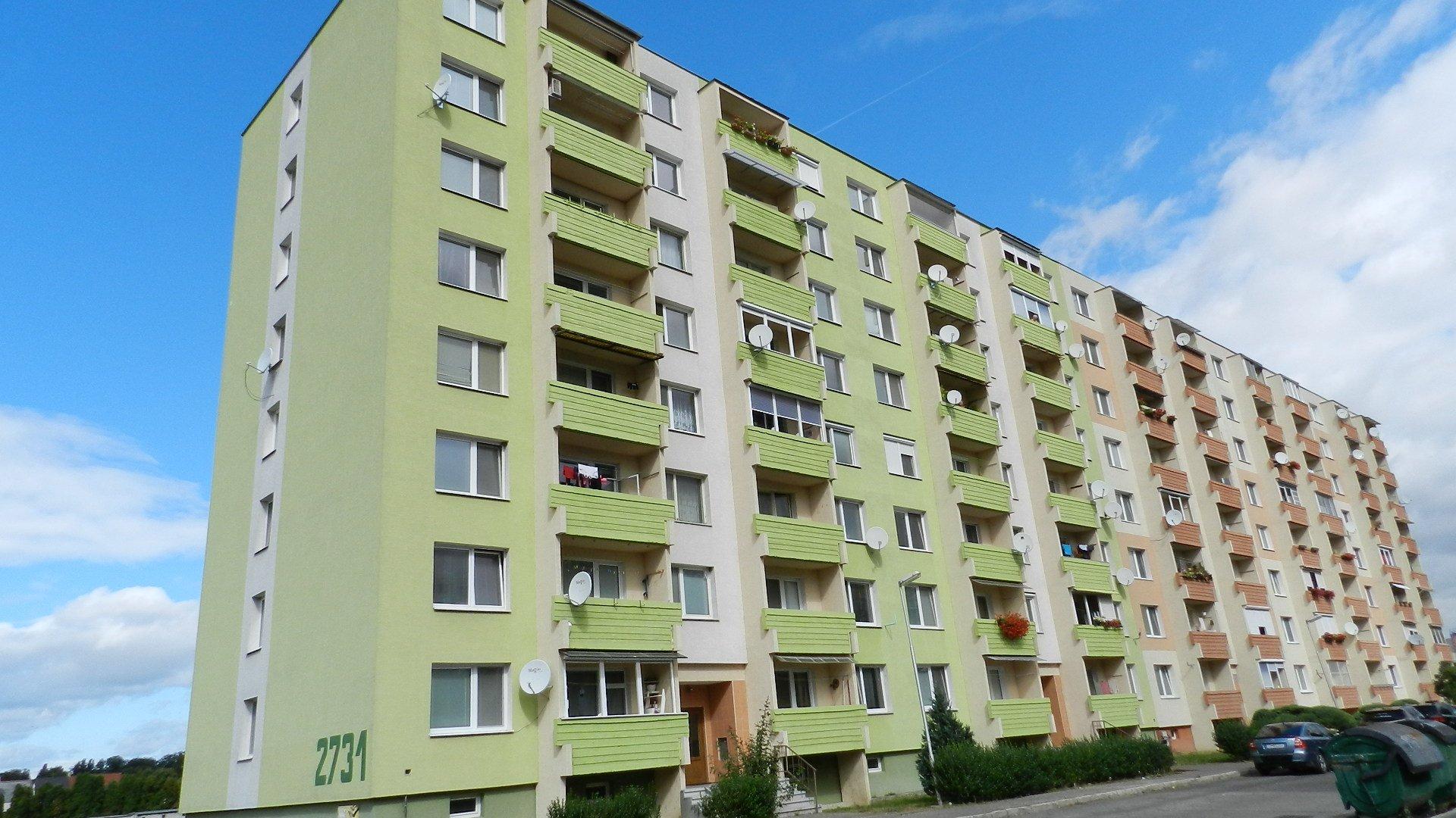 Priestranný 2-izbový byt v Topoľčanoch