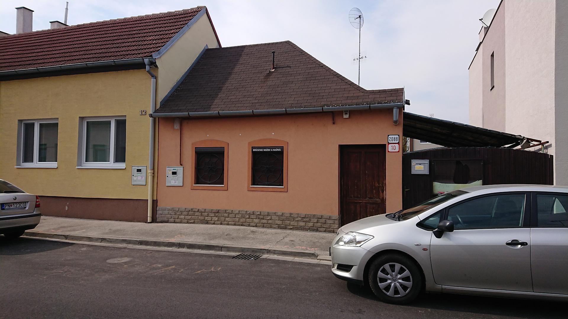 Rodinný dom s pozemkom neďaleko centra
