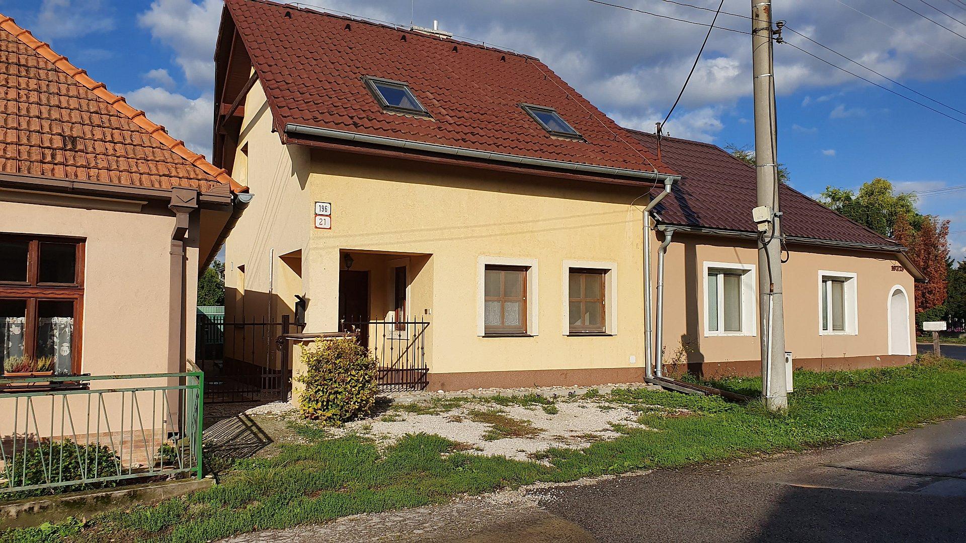 Štvorizbový rodinný dom s pozemkom