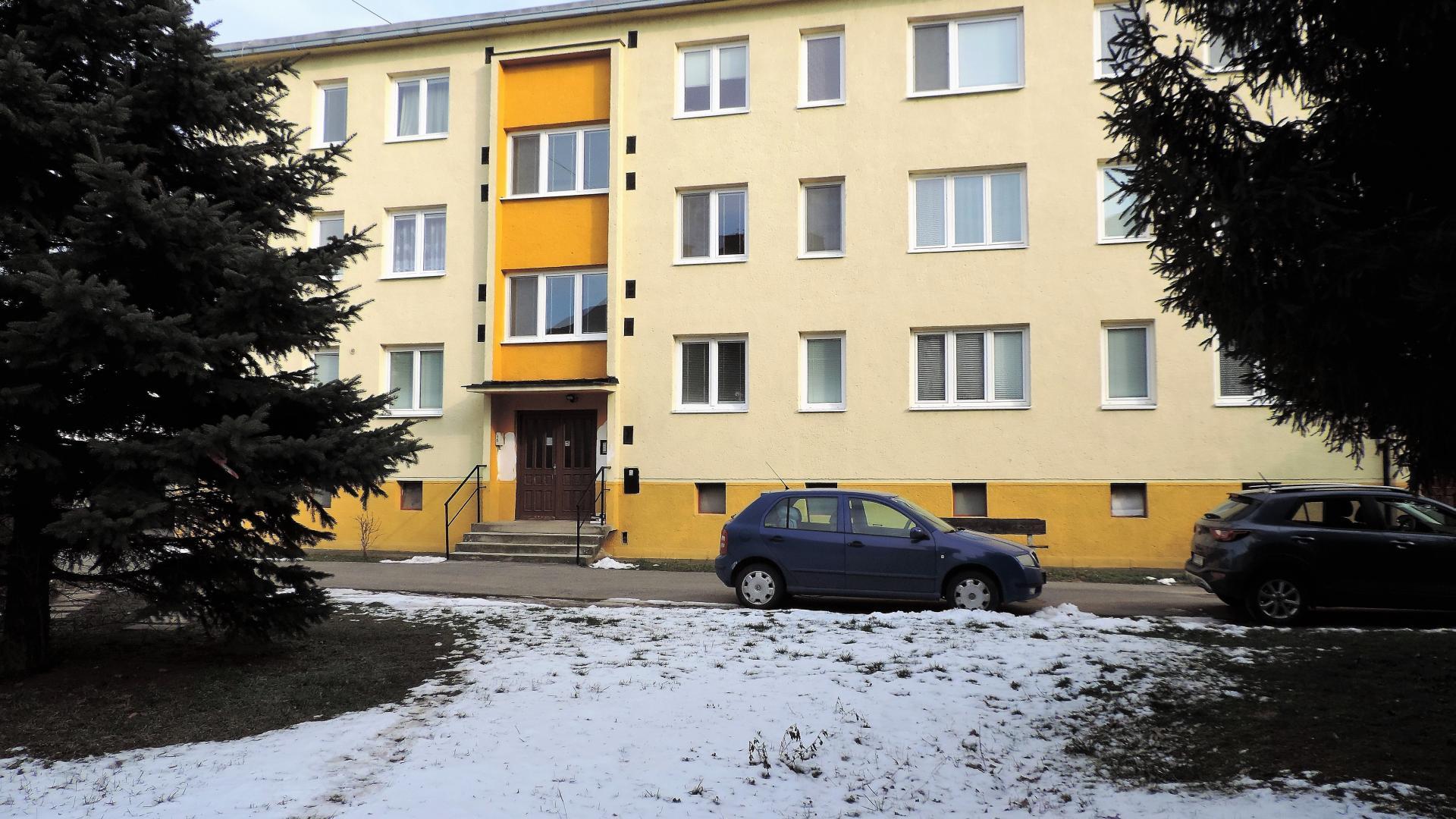Tehlový dvojizbový byt s balkónom