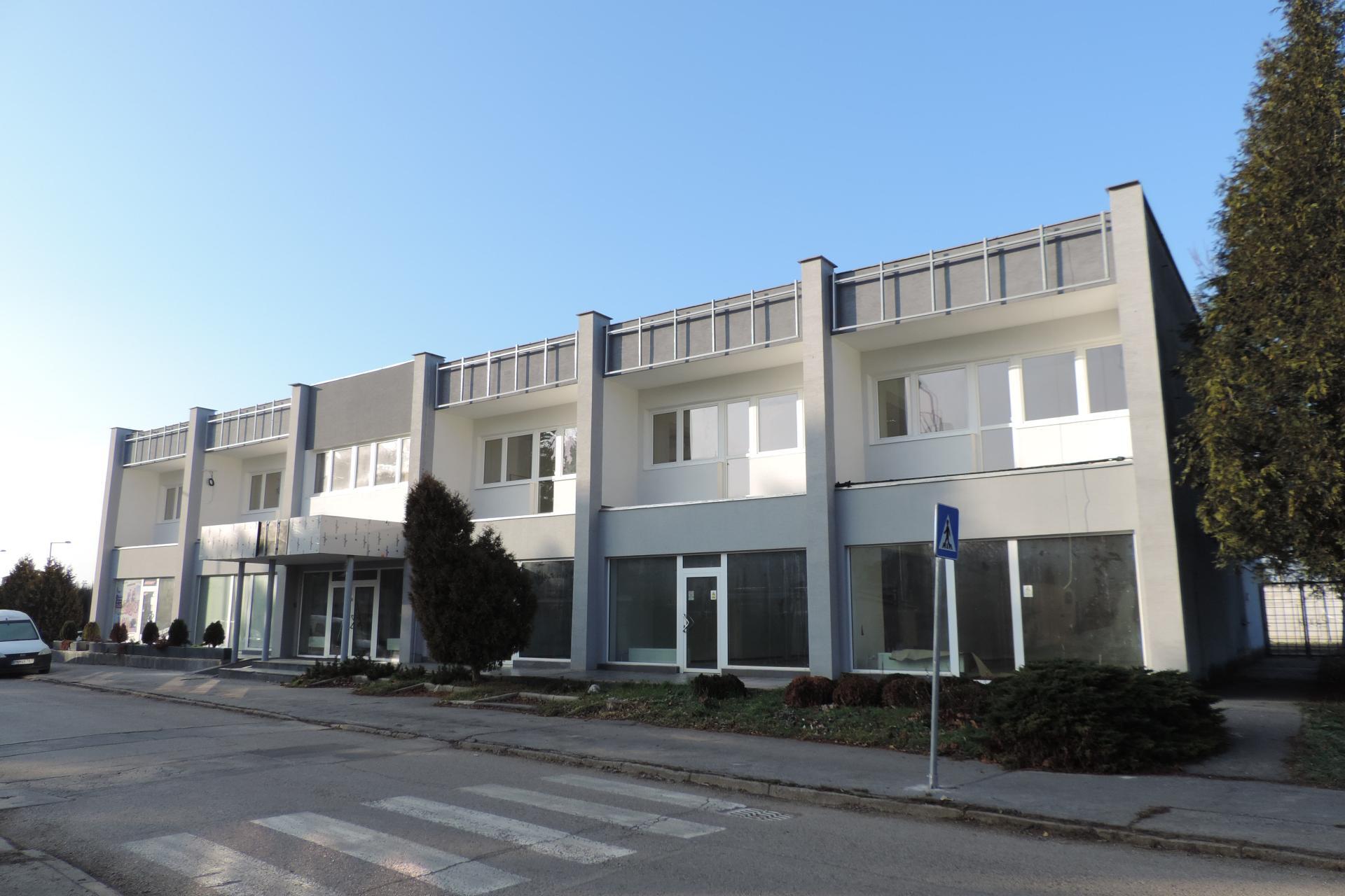 TUZEX - dvojpodlažná polyfunkčná budova pre obchod a služby