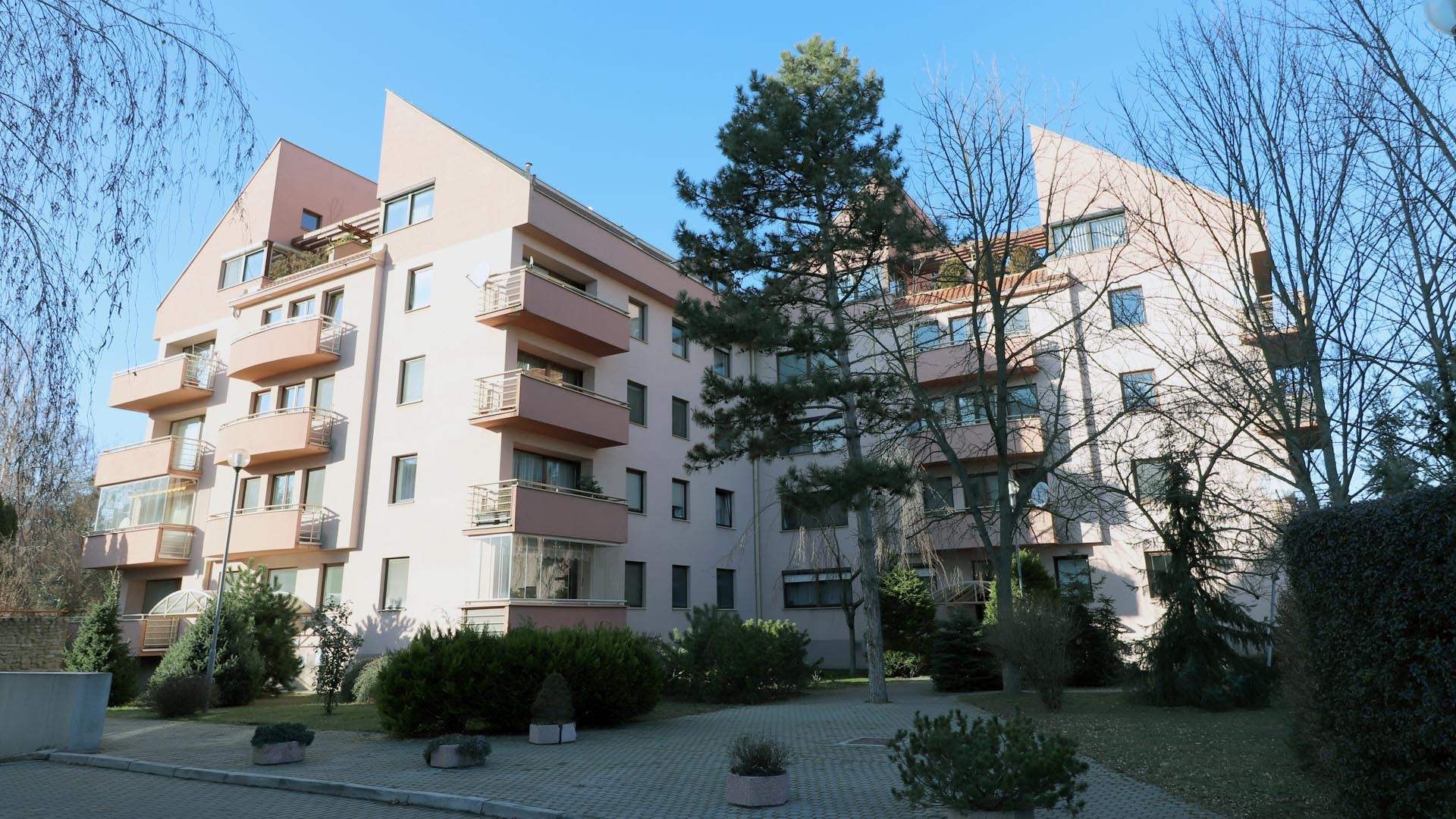 Apartánový byt pri mestskom parku
