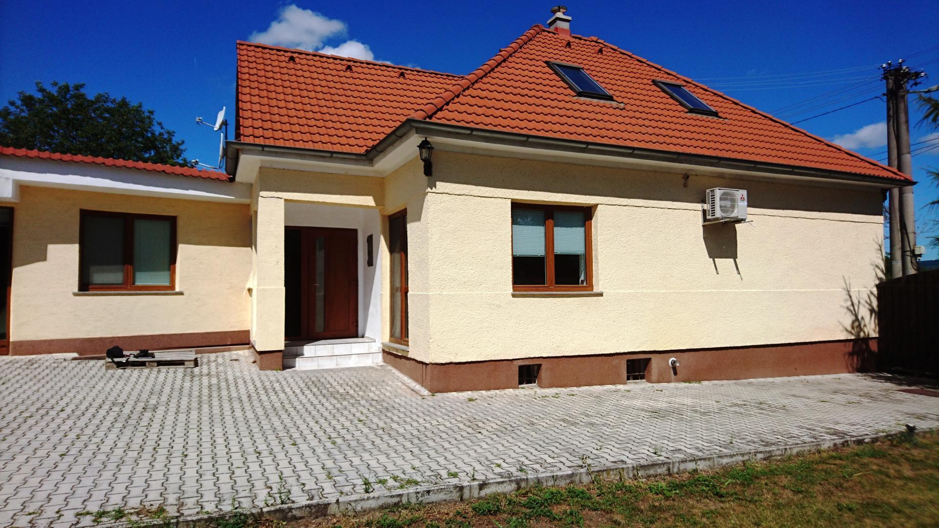 Kúpa rodinného domu Radošina - Bzince