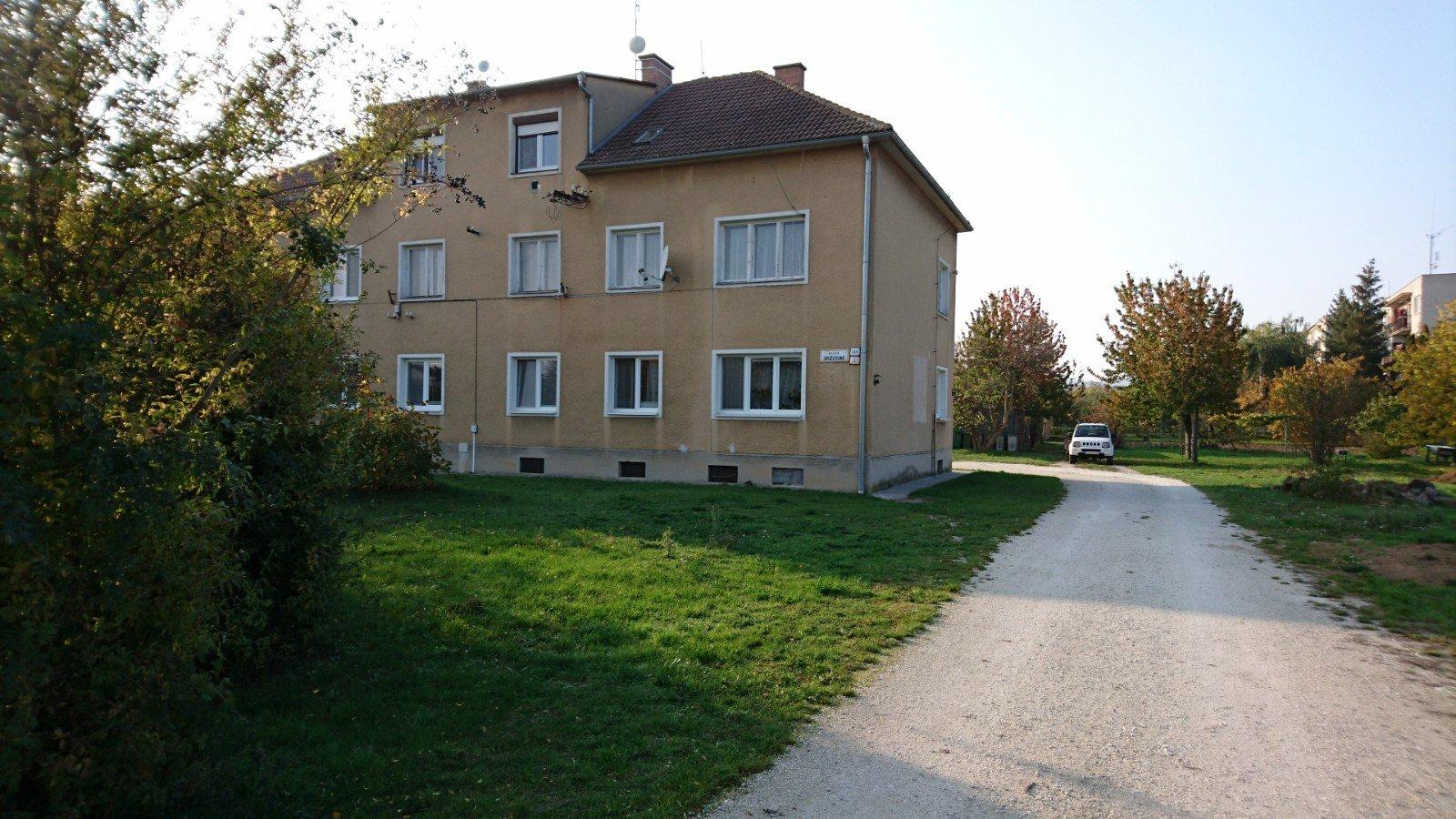 Predaj 4-izbového bytu Družstevná ulica Vrbové