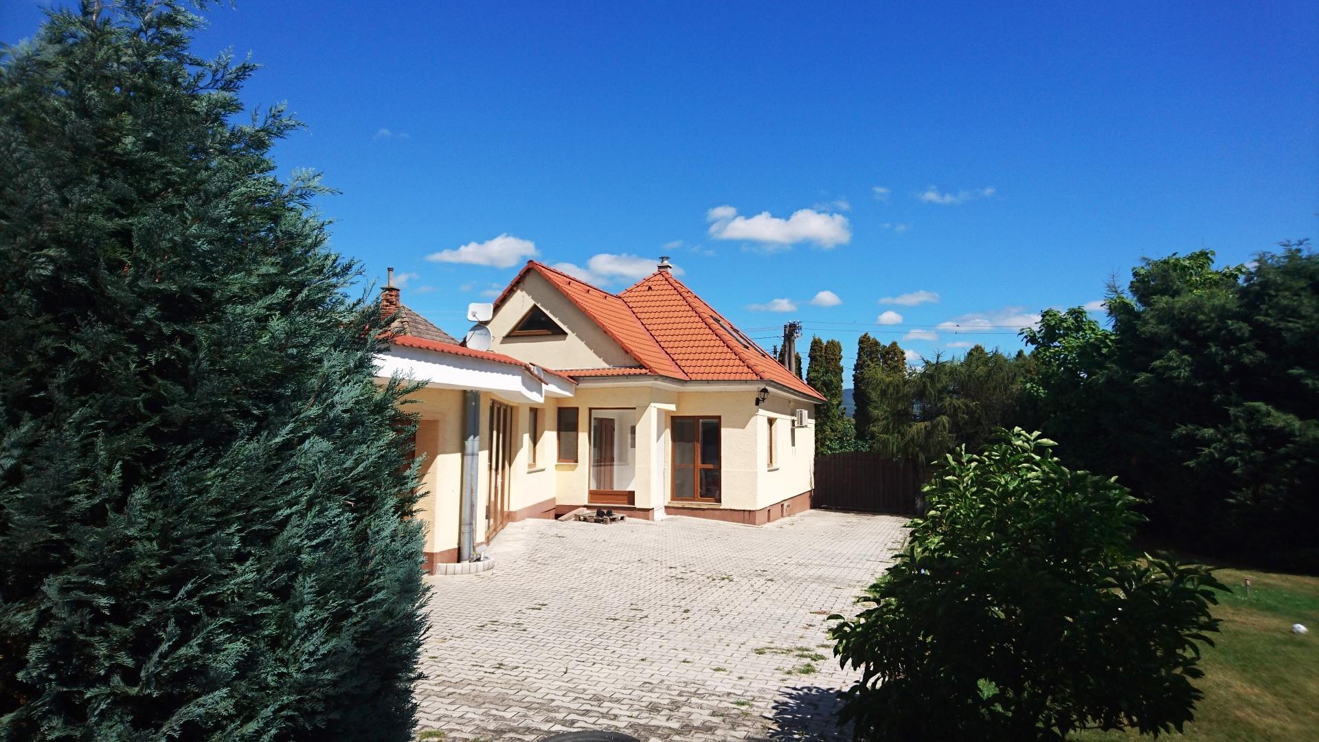 Predaj domu Radošina - Bzince
